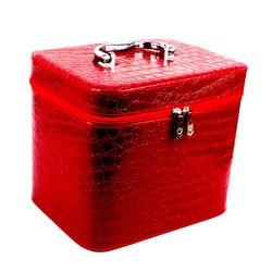 Чемоданчик для косметики YRE MEDIUM красный лаковый 21х14,5х16 см (126-1)