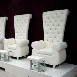 Педикюрное кресло Трон белое №2