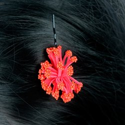 Невидимка цветок помпончик -  красный, 1 шт